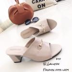 รองเท้าส้นตันสีครีม แบบสวม แต่งอะไหล่โลหะทอง (สีครีม )