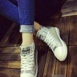 รองเท้าผ้าใบ หุ้มข้อ แบบเชือก ฟรุ้งฟร้ง (สีเงิน )