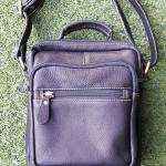 กระเป๋าสะพายรุ่น Percy สีดำ (No.083)