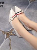 รองเท้าคัทชูส้นเข็มสีครีม หัวแหลม แต่งหัวเข็มขัด (สีครีม )