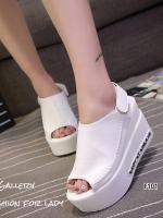 รองเท้าส้นเตารีดรัดส้นสีขาว หนังนิ่ม สายรัดแบบเมจิคเทป (สีขาว )