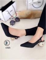 รองเท้าคัทชู หัวแหลม รัดส้น ส้นแปดเหลี่ยมสีทอง (สีดำ )