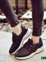 รองเท้าผ้าใบแฟชั่นสีดำ แต่งเพชร สไตล์เกาหลี (สีดำ )