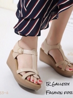 รองเท้าส้นเตารีดรัดส้นสีครีม ดีไซน์สวมคาดหน้า สายรัดข้อตะขอเกี่ยว (สีครีม )