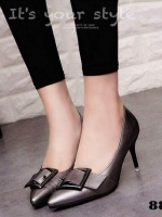 รองเท้าคัทชูส้นเข็มสีเทา หัวแหลม หน้าคาดเข็มขัด (สีเทา )