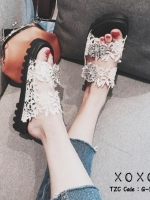 รองเท้าแตะผู้หญิงสีขาว แบบสวม สไตล์ Roger vivier (สีขาว )