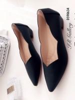 รองเท้าคัทชู ส้นเตี้ย หัวแหลม ขอบหยัก (สีดำ )