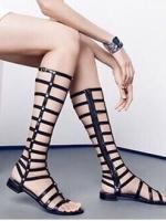 รองเท้าสไตล์Gladiater Sandals ตอกหมุดด้านข้าง (สีดำ )