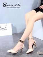 รองเท้าส้นสูง หัวแหลม สายรัดข้อสีทอง (สีครีม )