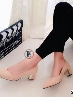 รองเท้าคัทชูส้นสูง แต่งส้นขอบทอง (สีครีม )