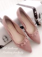 รองเท้าคัทชู ส้นแบน หัวแหลม แต่งขอบด้วยดอกไม้ (สีชมพู )
