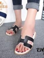 รองเท้าแตะ แบบสวม เปิดส้น สไตล์HERMES (สีดำ )