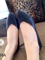 รองเท้าคัทชูส้นแบน หน้าV สไตล์ZARA (สีดำ )