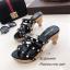 รองเท้าส้นสูงสีดำ ส้นไม้ Style Valentino (สีดำ ) thumbnail 2