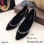 รองเท้าคัทชูส้นเตี้ยสีดำ หัวแหลม ขอบแต่งอะไหล่เพชร (สีดำ ) thumbnail 1