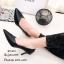 รองเท้าคัทชูหัวแหลมสีดำ ดีไซน์หน้าวี เอาใจสาวออฟฟิศ (สีดำ ) thumbnail 2