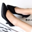 รองเท้าคัทชู หัวแหลม หนังนิ่มติดเกร็ดเลือ่ม ตัดขอบยางยืด (สีดำ ) thumbnail 3