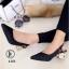 รองเท้าคัทชู หัวแหลม รัดส้น ส้นแปดเหลี่ยมสีทอง (สีดำ ) thumbnail 1