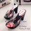 รองเท้าส้นสูง แบบสวม สายคาดแบบใส ลายกุชชี่ (สีดำ ) thumbnail 4