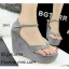 รองเท้าส้นเตารีดรัดส้นสีเทา แบบคีบ หนังกลับ (สีเทา ) thumbnail 1