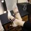 รองเท้าคัทชูส้นสูงสีขาว หัวแหลม เว้าข้าง (สีขาว ) thumbnail 2
