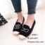 รองเท้าผ้าใบแฟชั่นสีดำ slip on ปักลายกล้อง (สีดำ )