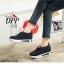 รองเท้าผ้าใบเสริมส้นสีดำ ทรงสวม แบบไม่ต้องผูกเชือก (สีดำ )