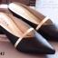 รองเท้าส้นเตี้ย หัวแหลม เปิดส้น สายคาดสีทอง (สีดำ ) thumbnail 4