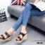 รองเท้าส้นเตารีดเปิดส้นสีดำ สายคาดเข็มขัด ส้นพียู ลายไม้ (สีดำ ) thumbnail 5