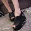 รองเท้าส้นเตารีดรัดส้นสีดำ หนังนิ่ม สายรัดแบบเมจิคเทป (สีดำ )