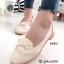 รองเท้าคัทชูผู้หญิง หนังพียูนิ่ม ฉลุลาย แต่งโบว์ (สีครีม )