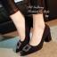 รองเท้าคัทชู ส้นสูง หัวแหลม แต่งหัวเข็มขัดฝังเพชร (สีดำ ) thumbnail 4