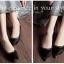 รองเท้าคัทชูหัวแหลม สไตล์Valentino ผ้าขน แต่งอะไหล่สีทอง (สีดำ ) thumbnail 3