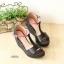 รองเท้าส้นเตารีด รัดส้น เปิดหน้า แต่สีทูโทน (สีดำ ) thumbnail 4