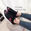 รองเท้าผ้าใบ แบบเชือก ปักลายดอกไม้ ซับในนุ่มใส่สบายเท้า (สีดำ ) thumbnail 2