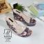 รองเท้าส้นเตารีดลายดอกไม้สีเทา สไตล์วินเทจ สายคาดพลาสติกใส (สีเทา ) thumbnail 4