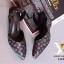รองเท้าส้นเตารีด เปิดส้น หัวแหลม ผ้าทอลายLV (สีดำ ) thumbnail 4