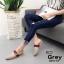 รองเท้าส้นเตี้ยเปิดส้นสีเทา แต่งอะไหล่ทอง GG (สีเทา ) thumbnail 3