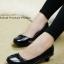 รองเท้าคัทชูส้นเตี้ย สไตล์เรียบหรู (สีดำ )