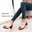 รองเท้าส้นตันเปิดส้นสีครีม แต่งอะไหล่โลหะเหลี่ยมสีทอง (สีครีม ) thumbnail 2