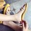 รองเท้าแตะแฟชั่นสีเหลือง สายคาดพลาสติกใส ไม่บาดเท้า (สีเหลือง ) thumbnail 5