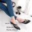 รองเท้าส้นเตี้ย หัวแหลม เปิดส้น ปักลายดอกไม้ (สีดำ ) thumbnail 4