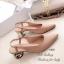 รองเท้าคัทชู หัวแหลม รัดส้น ส้นแปดเหลี่ยมสีทอง (สีครีม ) thumbnail 2