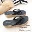 รองเท้าแตะผู้หญิงสีดำ แบบคีบ แต่งอะไหล่คริสตัลหน้าดอกซากุระ (สีดำ ) thumbnail 4