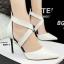 รองเท้าคัทชูส้นสูง หัวแหลม สายไขว้ (สีขาว ) thumbnail 5
