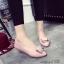 รองท้าคัทชูส้นเตี้ย หัวแหลม แต่งอะไหล่สีทอง (สีชมพู ) thumbnail 2