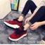 รองเท้าผ้าใบหุ้มข้อ แบบผูกเชือก (สีแดง ) thumbnail 2
