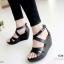 รองเท้าส้นเตารีดส้นโอ่ง สายคาดไขว้ (สีดำ ) thumbnail 2