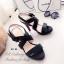 รองเท้าส้นสูง รัดส้น สายคาดไขว้ (สีดำ ) thumbnail 4