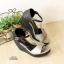 รองเท้าส้นเตารีดแบบรัดข้อ ทรงเก็บหน้าเท้า แต่งทูโทน (สีเทา ) thumbnail 4